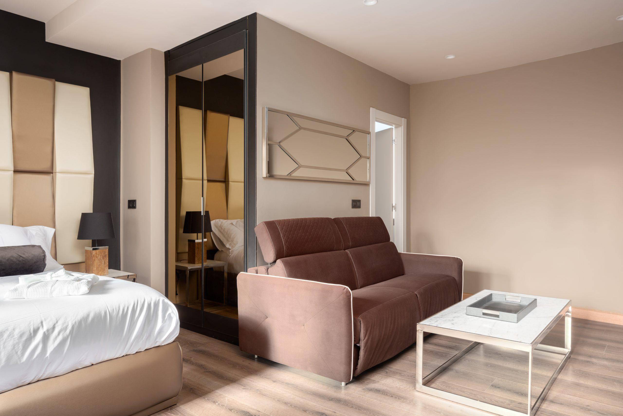 Apartamento-Suite-Atico-61-Oviedo-1907-02