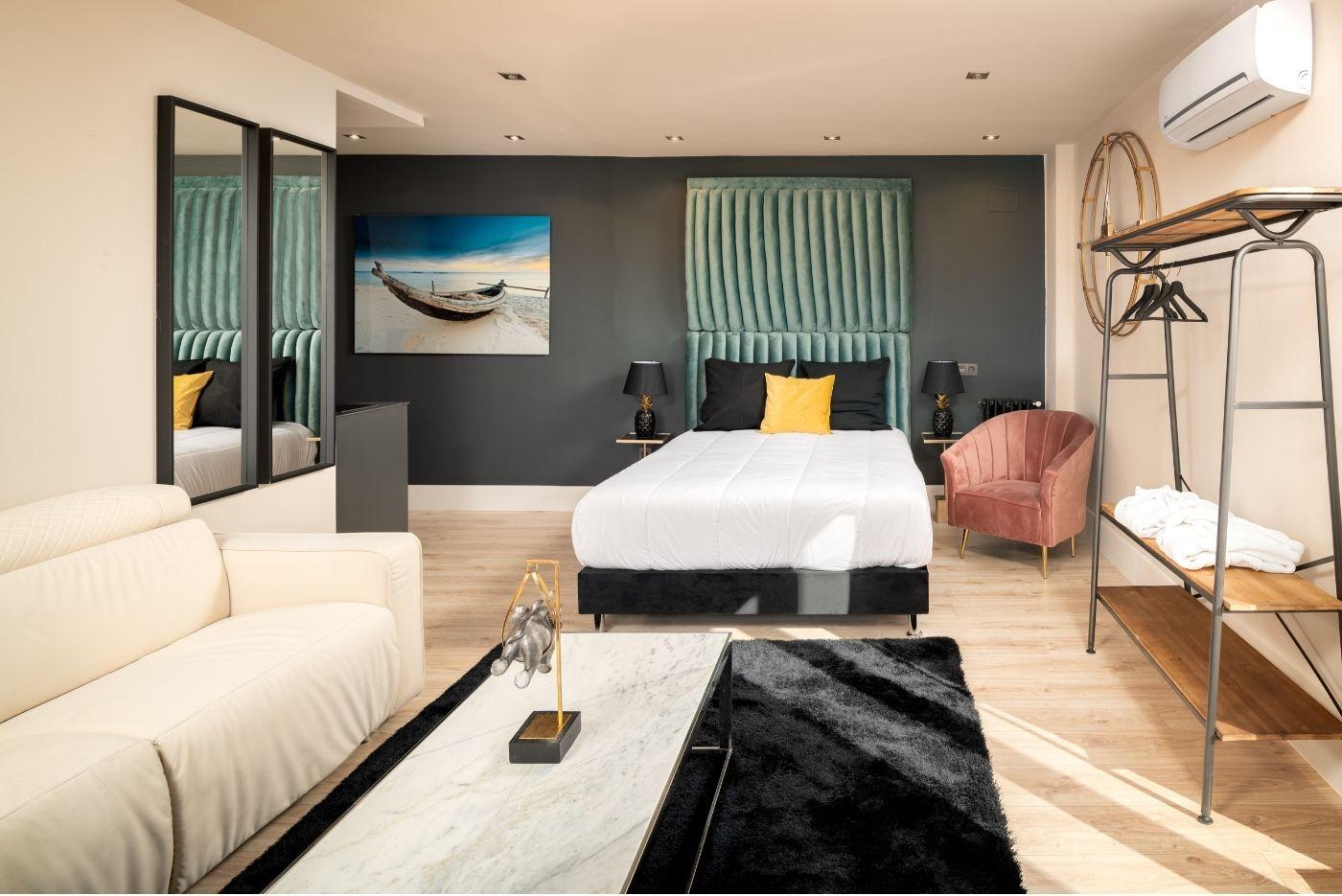 Apartamento-Suite-Atico-75-Oviedo-1907-02
