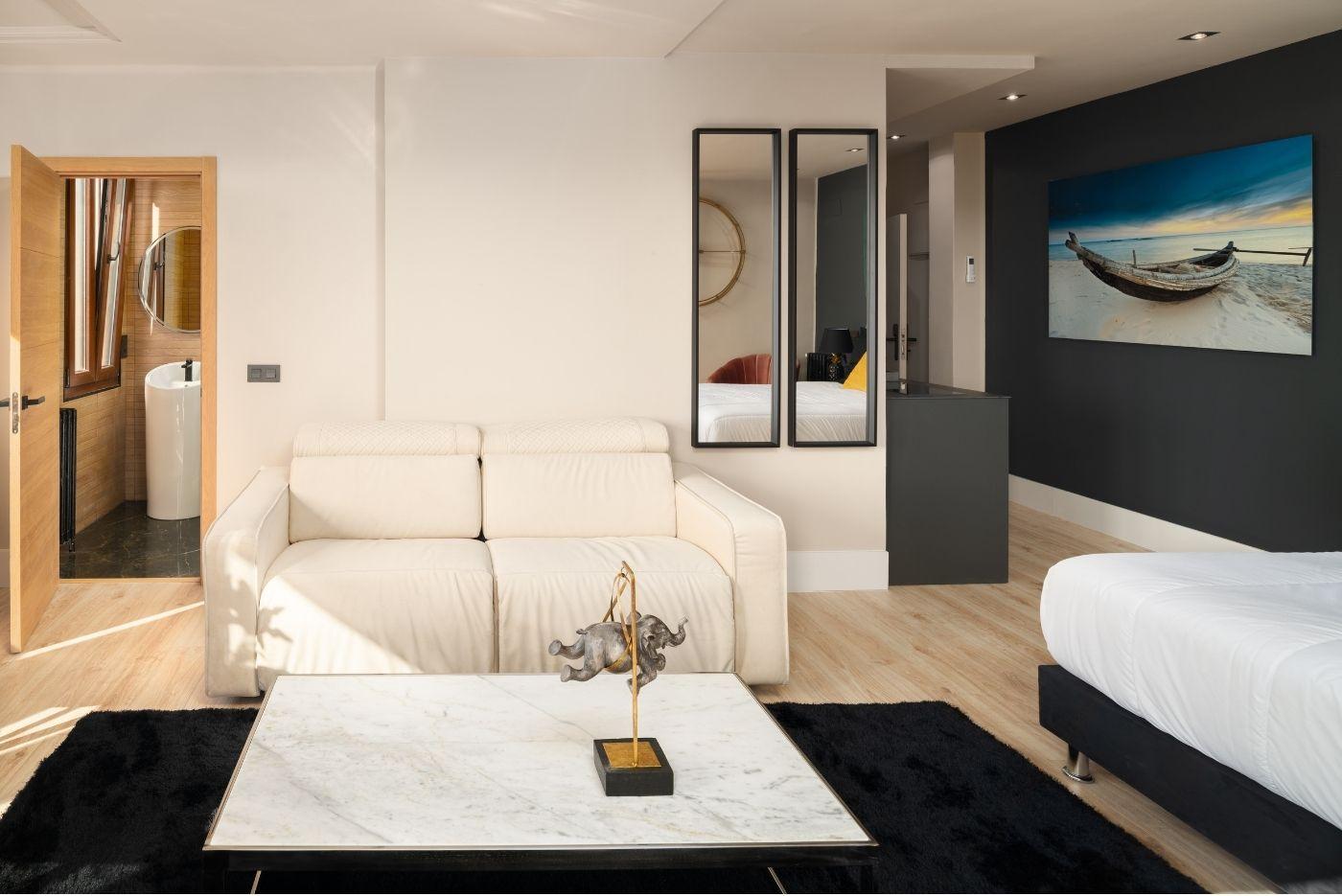 Apartamento-Suite-Atico-75-Oviedo-1907-03